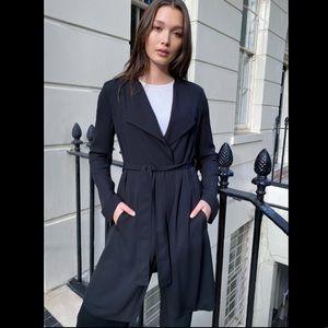 Aritzia Babaton Flowy Lightweight Trench Coat